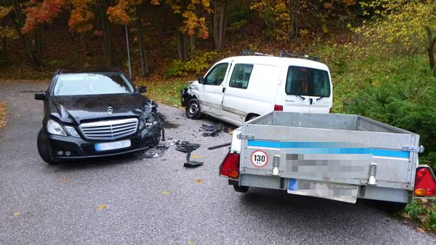 Za dopravní nehodou u Vidochova stále zřejmě nepřiměřená rychlost na kluzké vozovce.