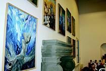 Porotní sál Valdštejnského zámku nyní zdobí malby Michaila Ščigola.Některé z nich se tematicky vztahují právě ke slavnému vojevůdci. Malby budou k vidění i v době setkání jičínských osobností s prezidentem.To se koná zítra ve 12.25, ale je jen pro zvané.