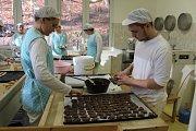 Střední škola gastronomie a služeb: novopačtí cukráři a výroba vánočního cukroví.