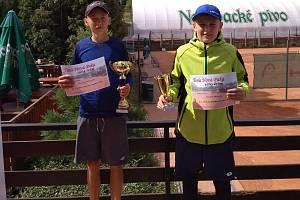 Vítěz dvouhry Tomáš Svoboda (vlevo) a finalista Jakub Malý.