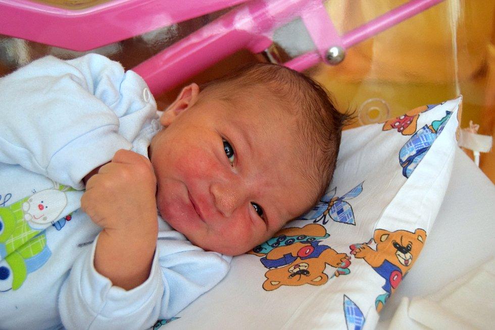 Filip Otruba se na svět směje od 27. ledna, kdy se narodil s mírou 54 cm a váhou 3,93 kg. Z narození prvního synka se radují Iva a František Otrubovi z Kopidlna.