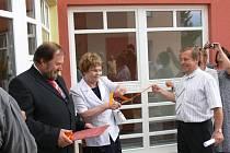 Ze slavnostního otevření dobudované části areálu pečovatelské služby v Sobotce.