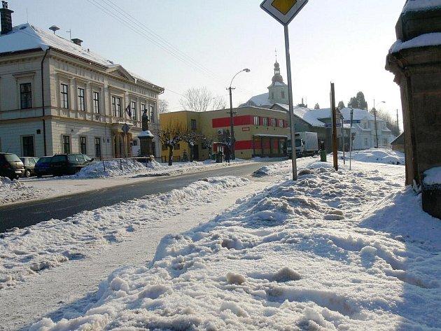 Stará Paka, Revoluční ulice.