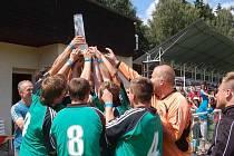 VELKOU RADOST měli bělohradští fotbalisté z prvenství na 34. ročníku Lázeňského poháru. Nyní už myslí na krajský přebor.