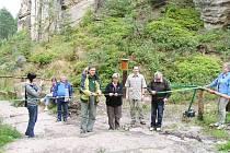 Otevření nově rekonstruované naučné stezky v Prachovských skalách.