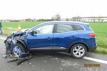 Nehoda u obce Holovousy.