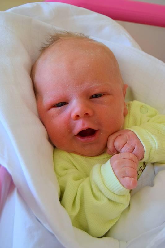 Ondřej Valenta je na světě! Narodil se 26. července 2021 s váhou 3130 g a délkou 49 cm. Těšili se na něho maminka Miroslava Valentová a tatínek Ondřej Valenta. Rodina bydlí v Žitětíně.