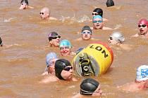 Čeření Bahňáku aneb Mistrovství Nové Paky v zimním plavání.