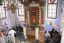 Interiér zrestaurované synagogy v Jičíně.