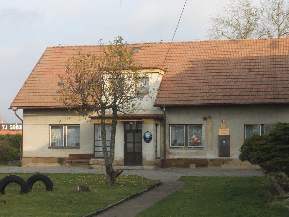 Mateřská škola v Chomuticích.