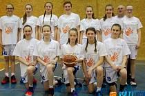 JIČÍNSKÉ basketbalové družstvo děvčat U 14.