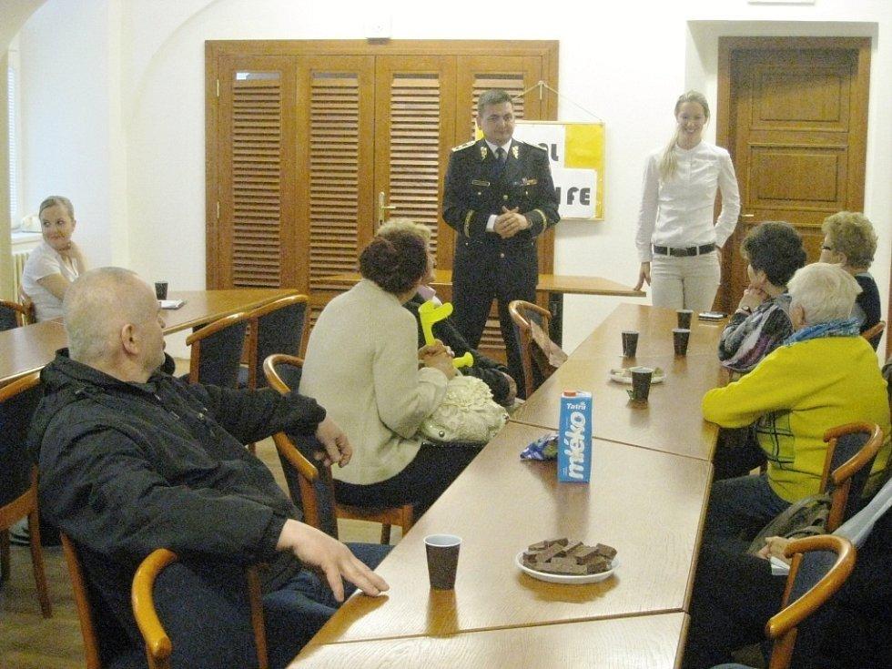 Instruktáž pro seniory zaměřená proti Šmejdům.