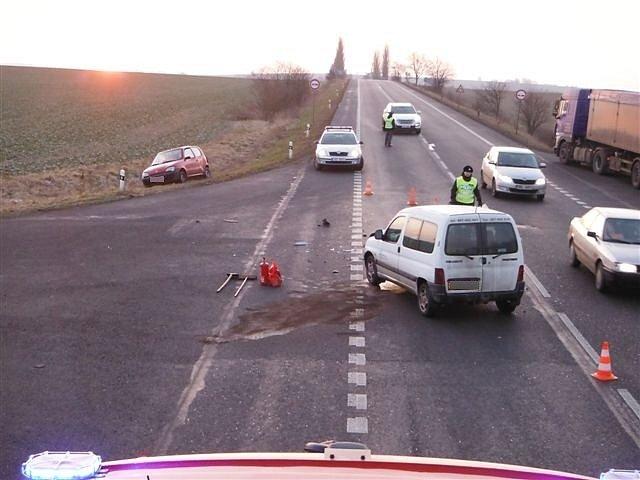 Jedna z četných dopravních nehod u Milovic