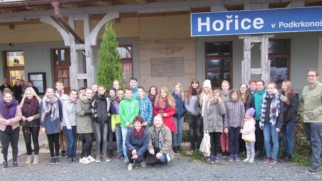 Dolnolužičtí studenti na návštěvě u hořických přátel.