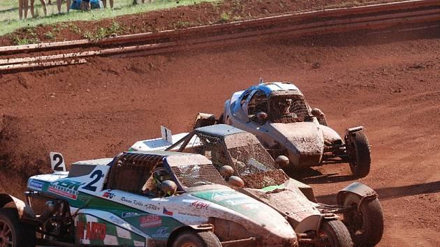 Mezinárodní mistrovství republiky v autokrosu.
