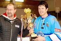 Nová Paka ve finále O pohár Českého ráje deklasovala první tým Krajské ligy mužů Libereckého kraje Jičín 9:5.