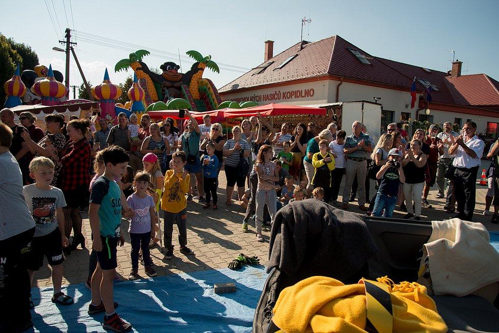 Na oslavách 140. výročí založení SDH Kopidlno se hasiči předvedli v plné parádě