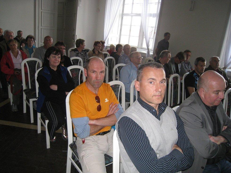 Jednání v Porotním sále o bioplynové stanici.