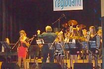 Regioband při vystoupení v Milovicích.