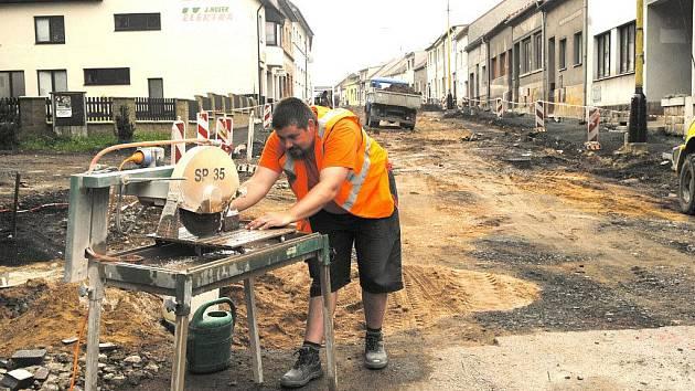 Dlouho očekávaná rekonstrukce hořické Žižkovy ulice.