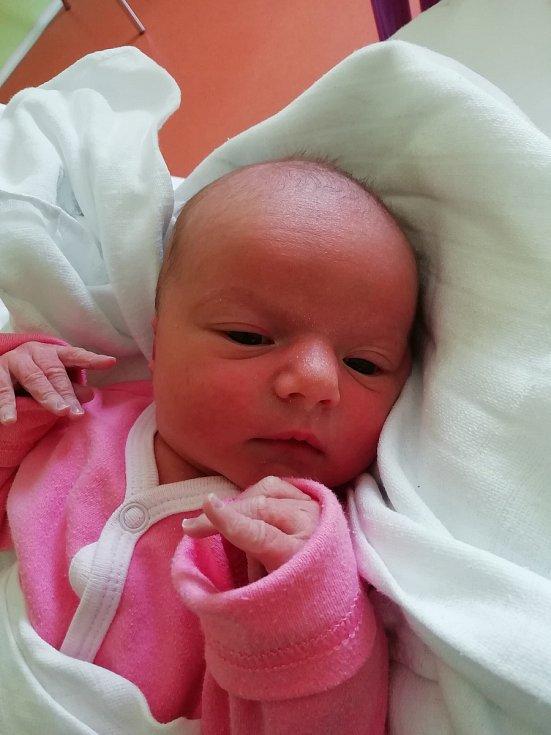 Anna Koťátková přišla na svět 21. dubna s mírou 49 cm a váhou 2,93 kg. Z narození první dcerky mají radost Pavlína a Karel Koťátkovi z Jičína.