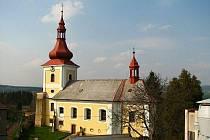 Městečko Mlázovice získalo do svého vlastnictví kostel Nejsvětější Trojice.