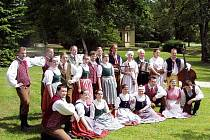 Bělohradský folklorní soubor Hořeňák.