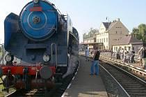 Pohádková mašinka na jičínském nádraží.