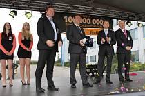 Slavnost firmy CONTINENTAL Automotive Czech Republic, s.r.o., závod Jičín u příležitosti vyrobení stomiliontého posilovače.