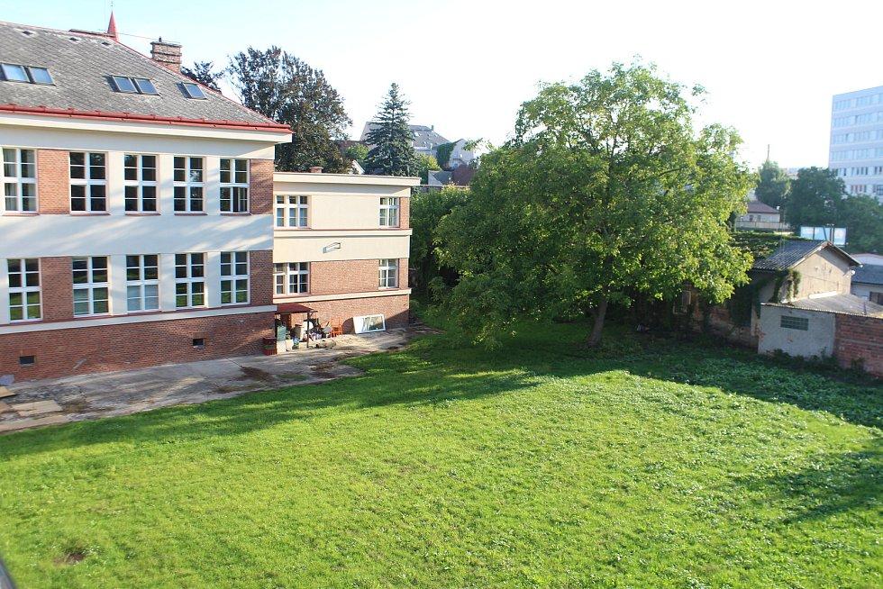 Nedávno revitalizovaná zahrada MOA.