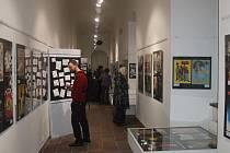 Výstava filmových plakátů v jičínském muzeu.