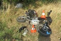Smrt motorkáře u Chomutic na Jičínsku.