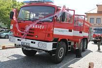Na novou červenou Tatru je radost pohledět