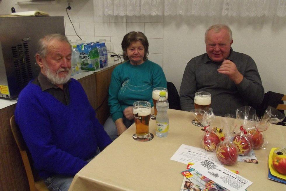 Předvánoční Jablíčkování v Ostružně.
