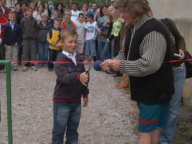 Velišská Základní školy Bodláka a Pampelišky 1. září 2007.