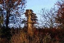 Socha sv. Jana Nepomuckého u železnického hřbitova.