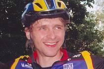 Nečekaným vítězem úvodního závodu Jičínské cykloligy v okolí Úlibic se stal Karel Horák.