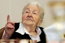 Marie Fišerová z Hořic, nejstarší v Královéhradeckém kraji, oslavila 104. narozeniny.