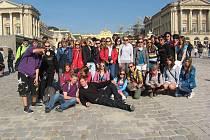 Z výletu žáků jičínské 1. ZŠ: Versailles.