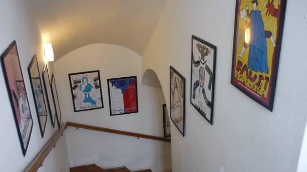 Výstava plakátů Jana Schmida.