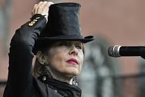 Suzanne Vega koncertovala na Sychrově.