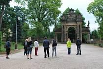 Hořický hřbitovní portál na Gothardě.