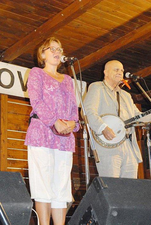 Vystoupení Ivana Mládka s Banjo Bandem v Miletíně.