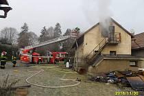 Požár v Úněticích.