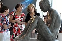 Zahájení výstavy v Galerii plastik. Úvodní slovo pronesla historička umění Rea Michalová. Slavnostní odpoledne hudebně doprovodil DJ Wich.