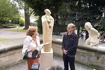 Lívia Klausová na sympoziu hořických sochařů.