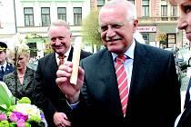 Hořické trubičky ochutnal také prezident Václav Klaus při návštěvě města.