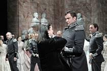 Opera Tannhäuser – scéna z druhého jednání. V popředí zleva: Daniel Frank (Tannhäuser), Roman Vocel (Biterolf).