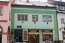 Novopacká radnice prodává nemovitosti.