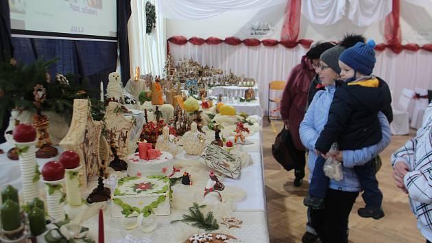 Tradici vánočních trhů Střední škola gastronomie a služeb v Nové Pace neporušila ani letos.
